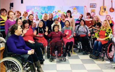 Вновь РИСУЕМ ВМЕСТЕ! «Цветочный Петербург» — с обществом «На колясках без барьеров»!