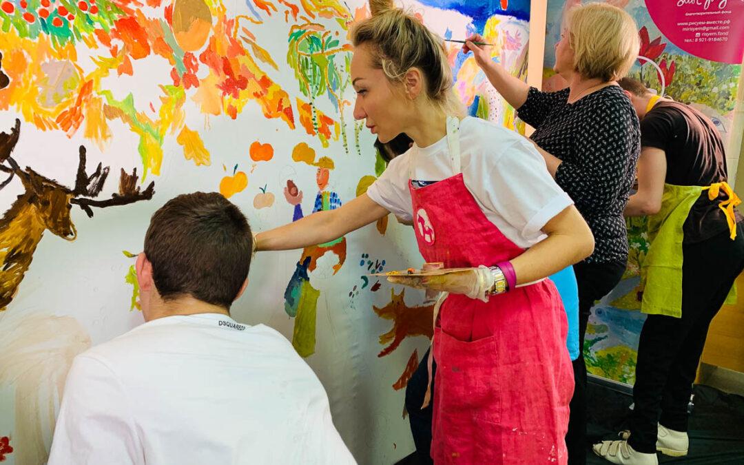 В рамках проекта «Рисуем вместе!» в детской городской больнице №22 г.Колпино написана картина «Осень»