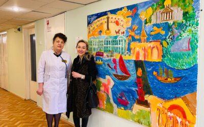 В дар Колпинской детской больнице №22 передана картина «Город»