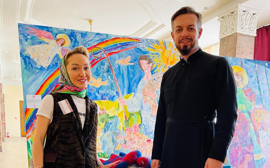 На Всероссийской выставке «Православная Русь» состоялась экспозиция картин, созданных в проекте «Рисуя, помогаем» Фонда «Мы рисуем»